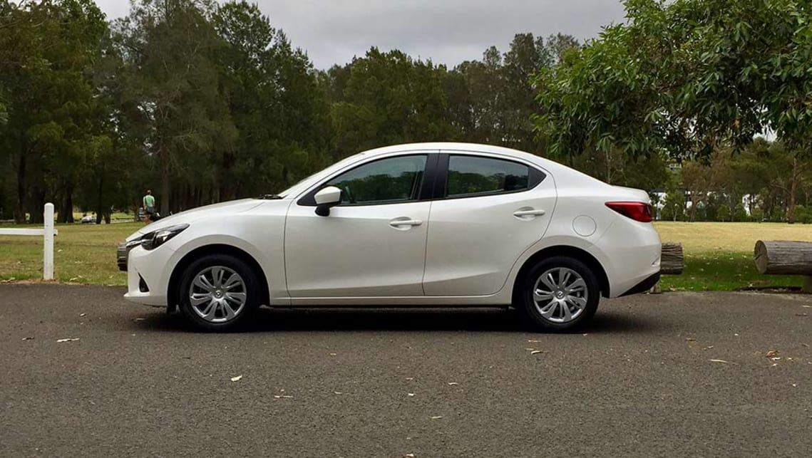 Mazda 2 maxx sedan