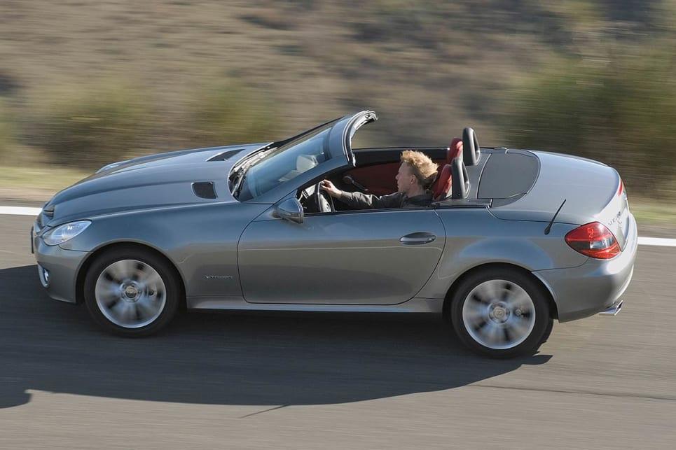 Used mercedes benz slk review 2004 2015 carsguide for Mercedes benz slk used