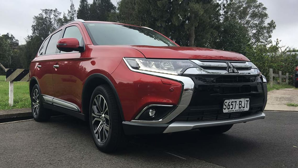 Mitsubishi Outlander 2017 review