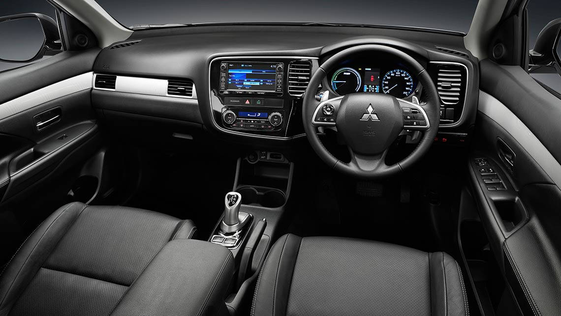 2014 mitsubishi outlander phev review long term 3 carsguide - Mitsubishi Outlander 2014 White