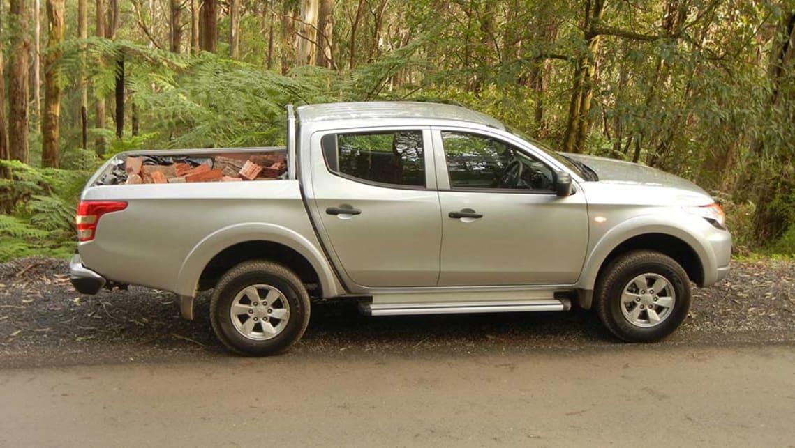 Mitsubishi triton glx review