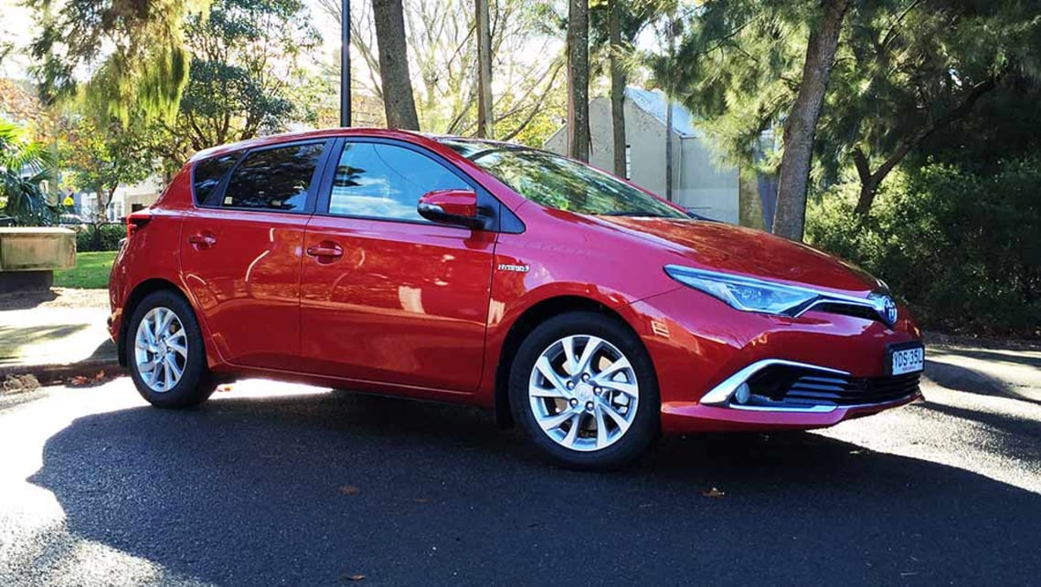 Toyota Corolla Hybrid 2016 review | CarsGuide