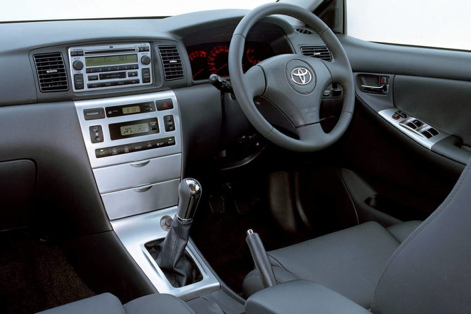 Used toyota corolla review 2001 2007 carsguide for Toyota corolla 2003 interior