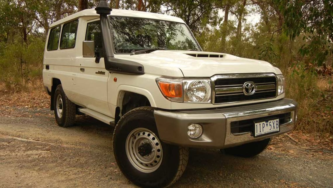 toyota lc78 land cruiser troopcarrier gxl 2017 review carsguide. Black Bedroom Furniture Sets. Home Design Ideas