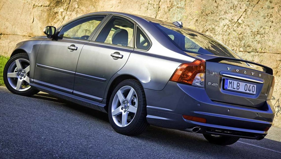 Volvo S40 Used Review 2006 2011 37274 on straight 5 engine