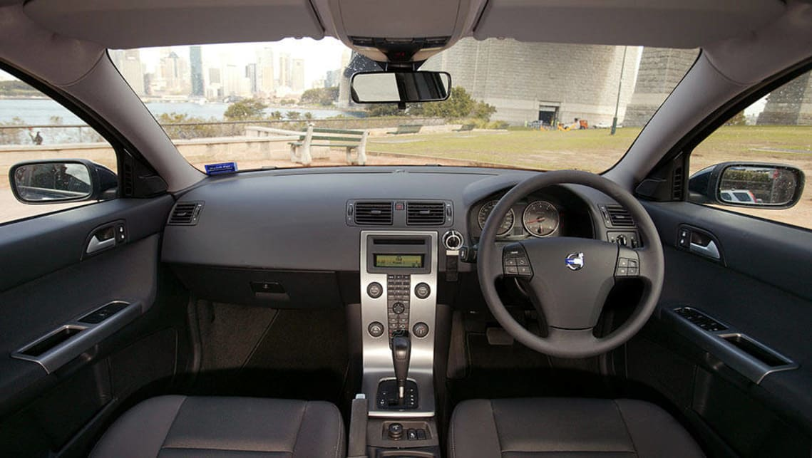 Used Volvo S40 review: 2006-2011   CarsGuide