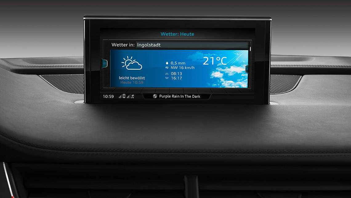 The centrally-mounted multimedia display in the new Audi Q7