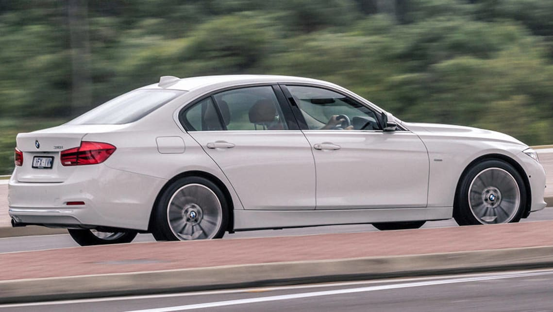 Bmw 5 Series 2016 >> BMW 318i 2016 review | CarsGuide