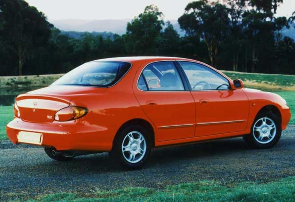 1999 Hyundai Lantra GLS Sedan