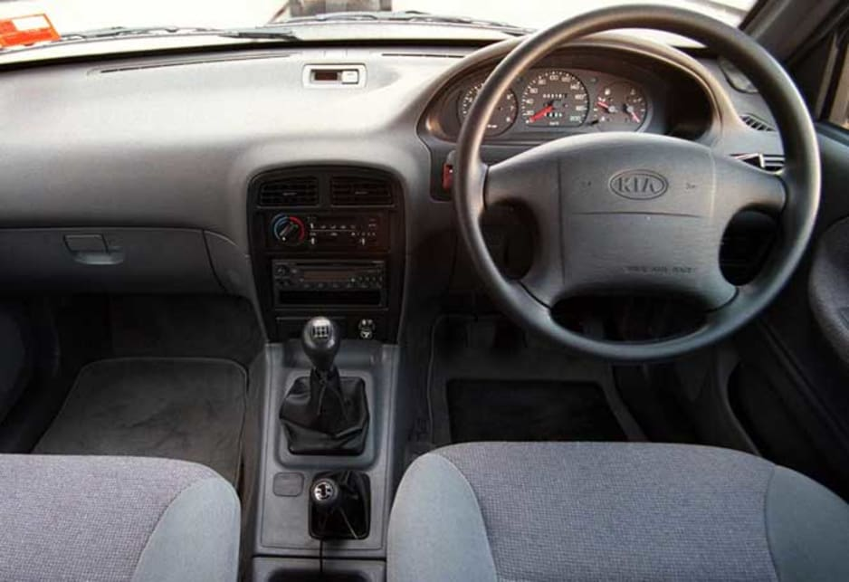 used kia sportage review  1996
