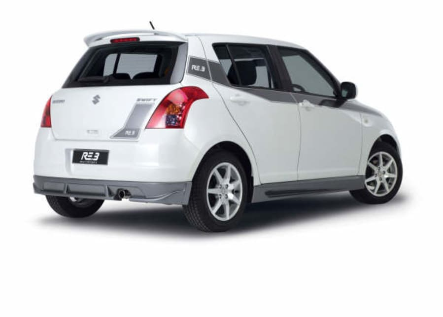 Suzuki Swift RE3 rear