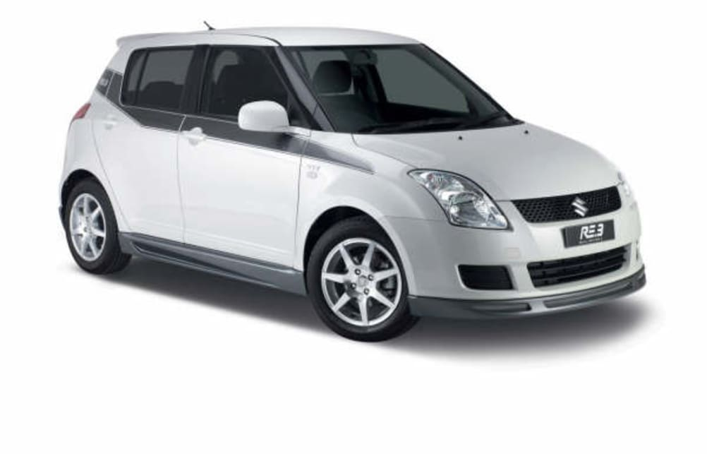 Suzuki Swift RE3 side
