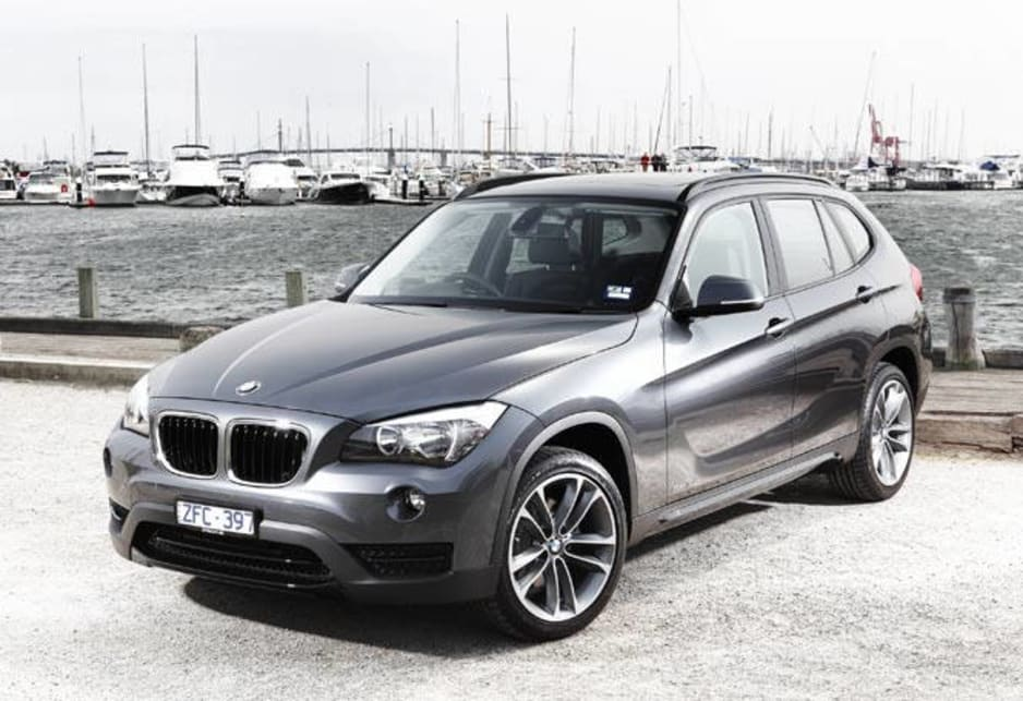 Like the X3 it has shed some of its unpainted, plastic cladding, or more specifically it has been disguised with silver-coloured embellishments at the front, back and sides to alleviate the effect. The side indicator lights have also been integrated into the side mirrors.