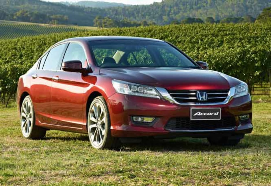 By their nature conservative cars rarely undergo radical styling changes and the 2013 Accord looks very much like its predecessor.
