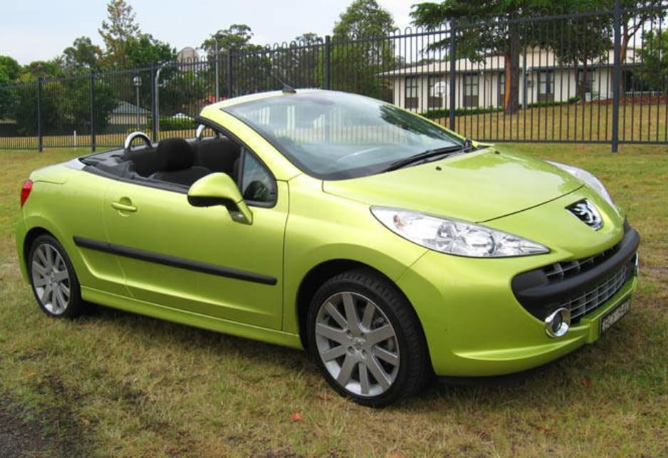 peugeot 207 used review 2007 2013 carsguide. Black Bedroom Furniture Sets. Home Design Ideas