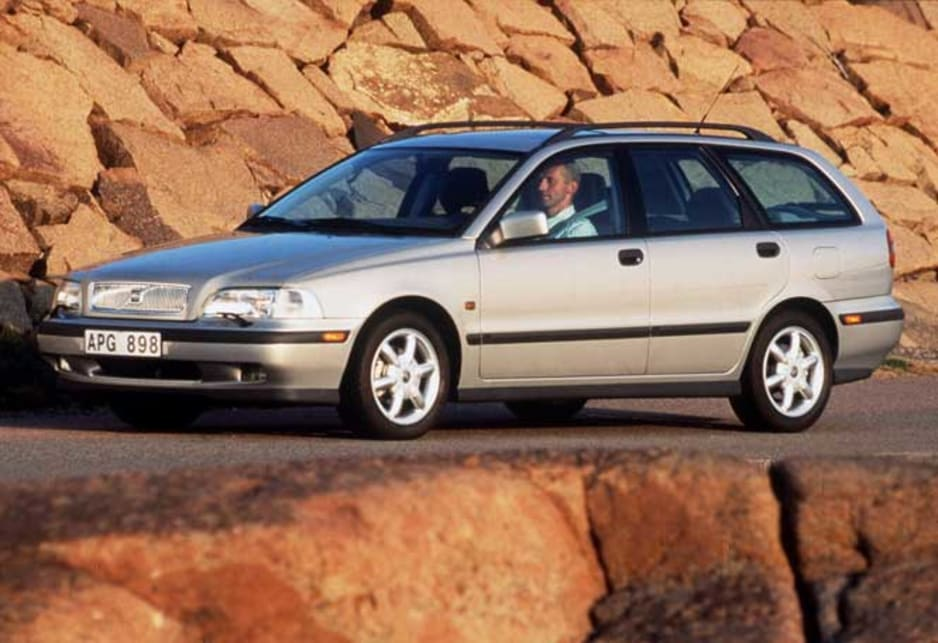 Used Volvo S40 V40 Review 1997 2000 Carsguide