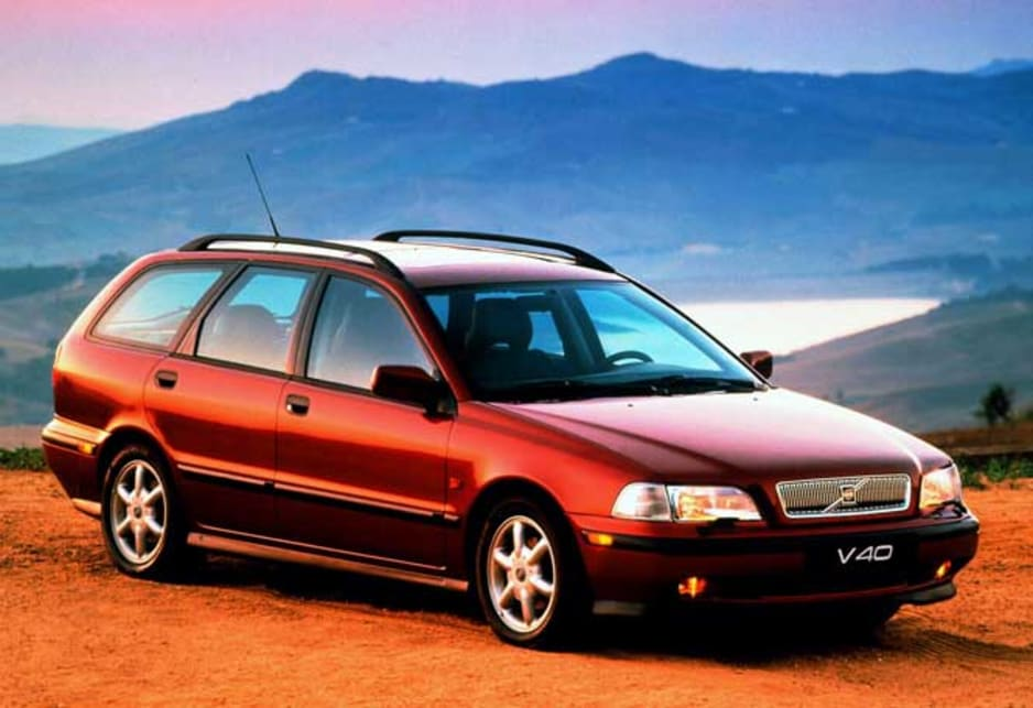 used volvo s40 v40 review 1997 2000 carsguide. Black Bedroom Furniture Sets. Home Design Ideas