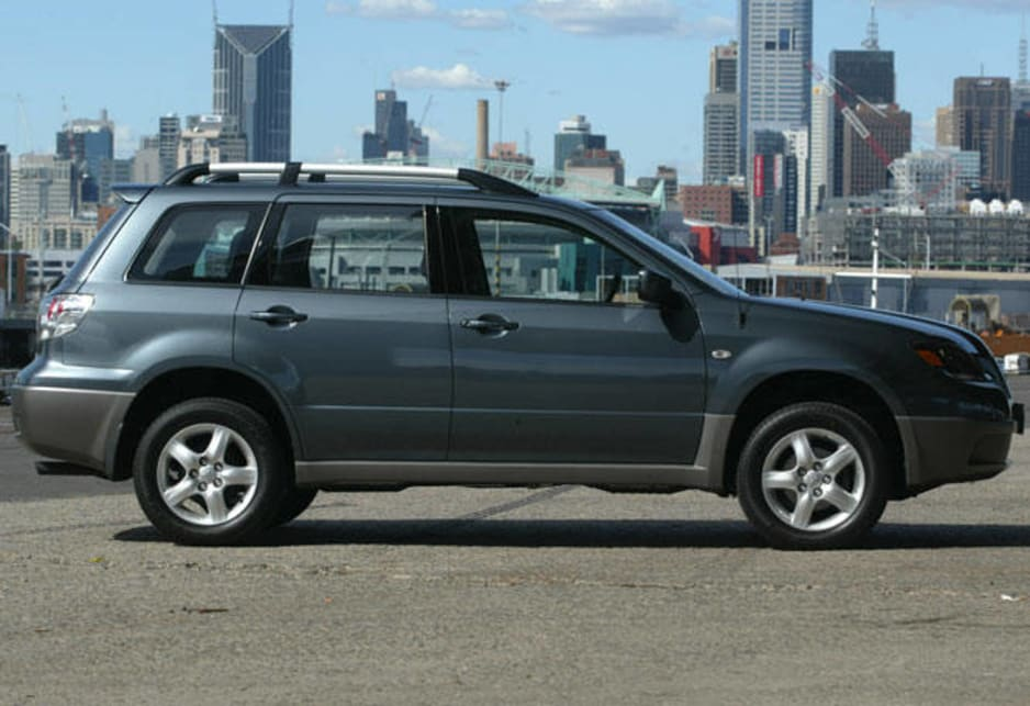 used mitsubishi outlander review: 2003-2004 | carsguide