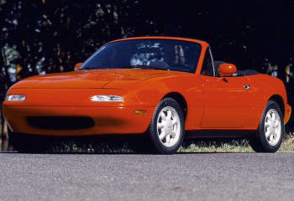 https://res.cloudinary.com/carsguide/image/upload/f_auto,fl_lossy,q_auto,t_cg_hero_large/v1/editorial/dp/images/uploads/Mazda-mx-5-1989-LR.jpg
