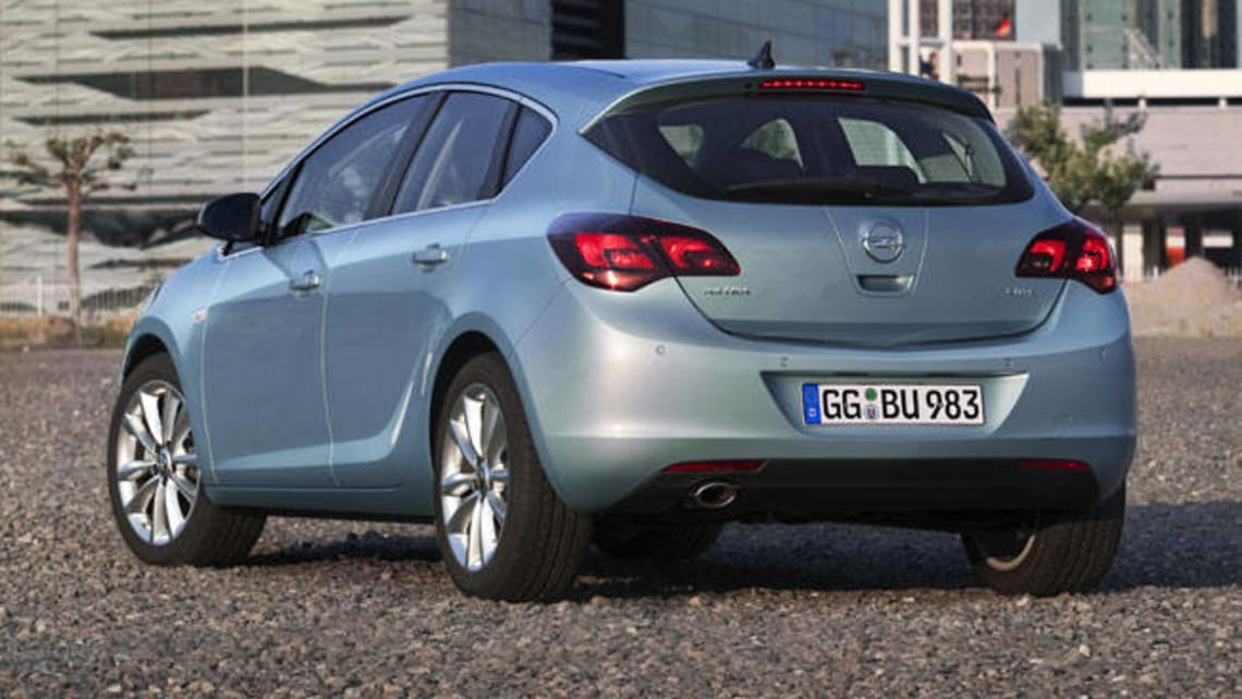 Opel Astra Select CDTi 2012 review