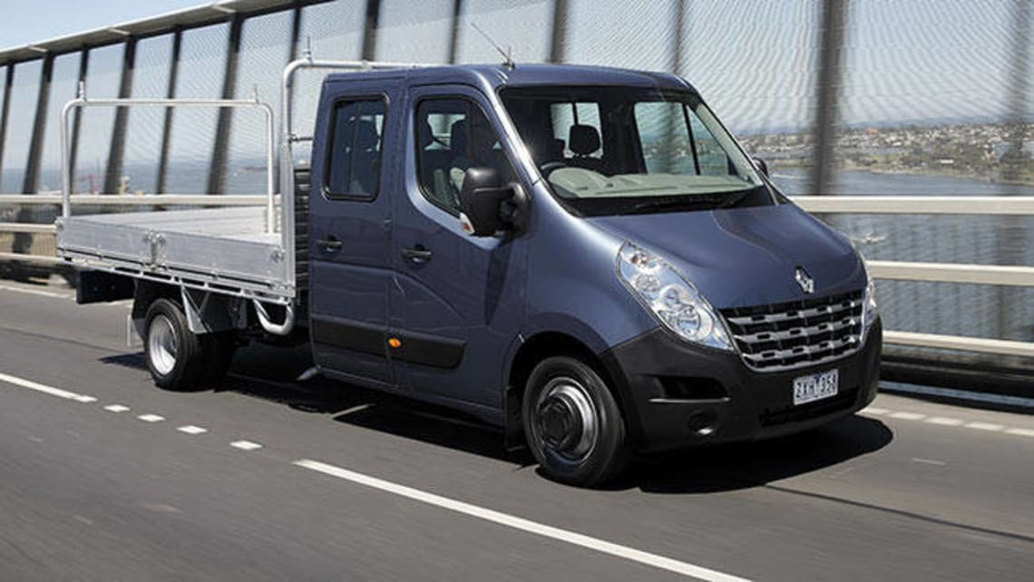 Renault Master cab chassis 2014 review