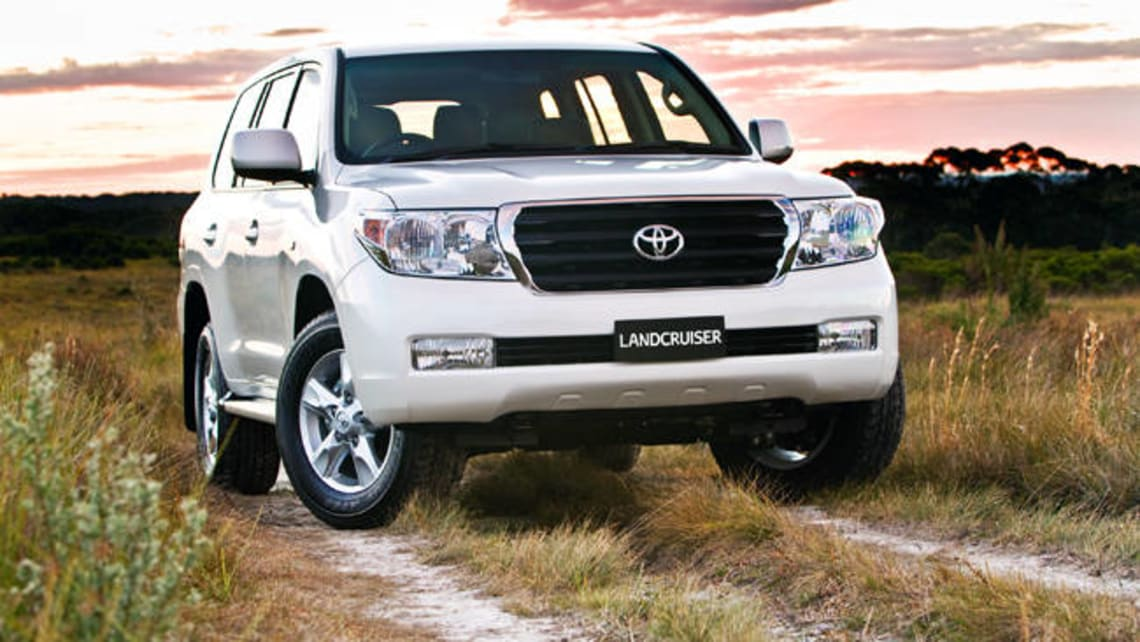 Toyota Land Cruiser 200 Altitude 2012 Review