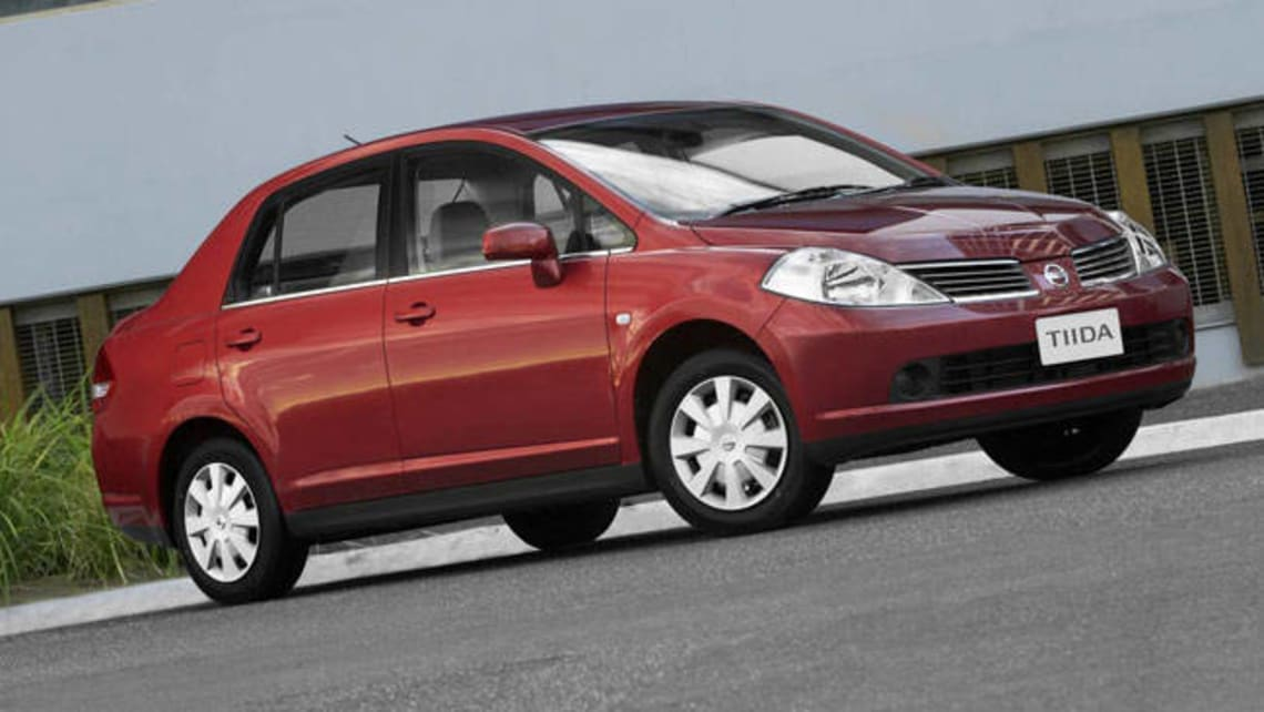 Nissan tiida 2006 review