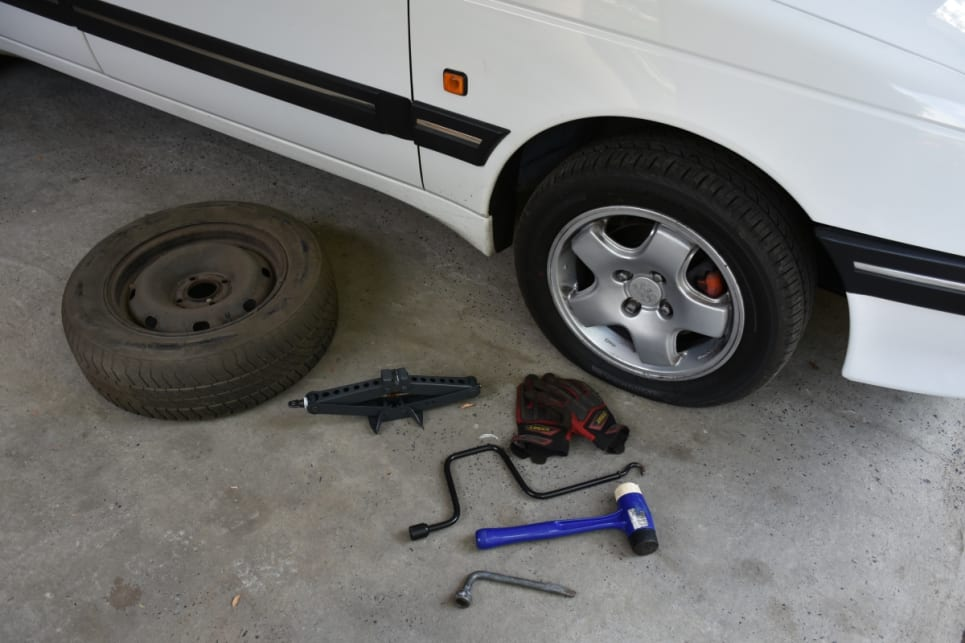 how to know when to change car tyres