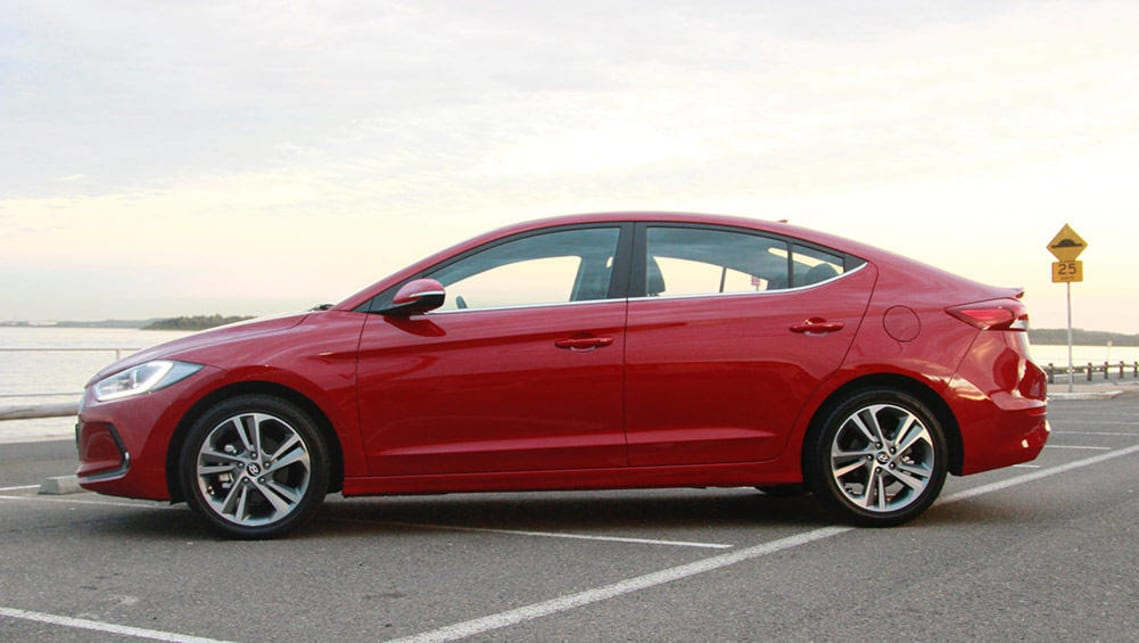 hyundai elantra elite 2016 review road test video carsguide. Black Bedroom Furniture Sets. Home Design Ideas