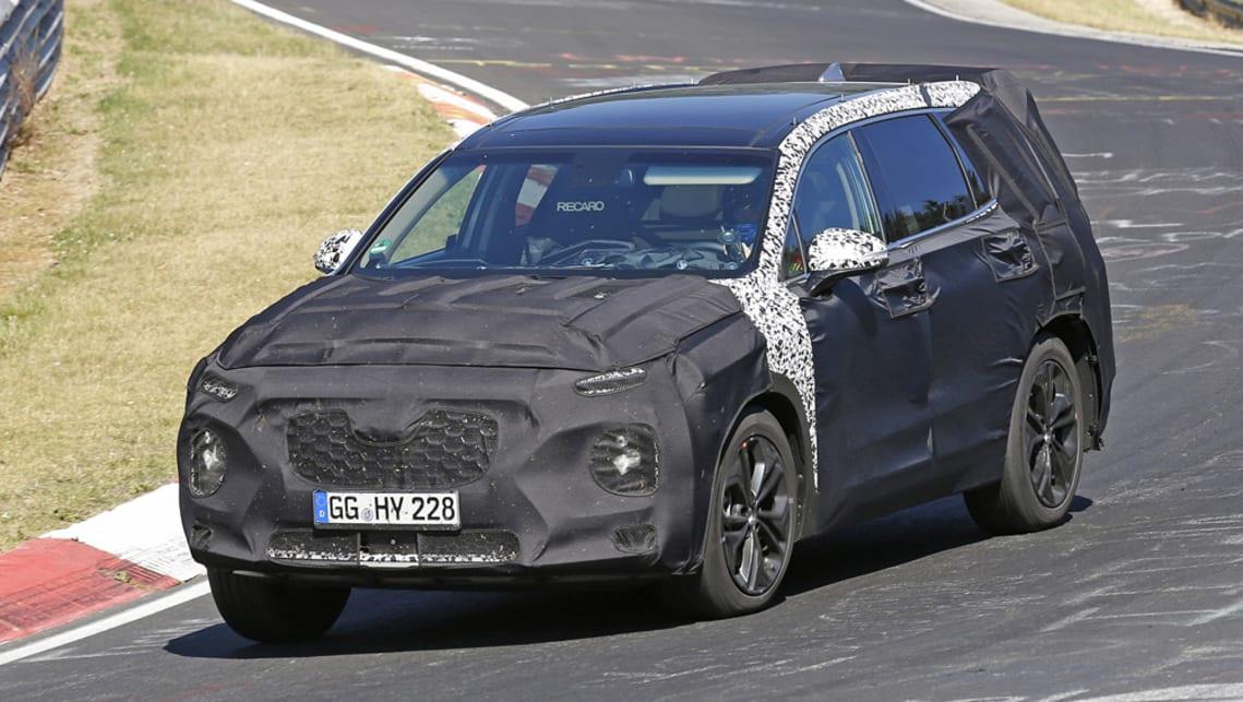 Hyundai Santa Fe 2019 spy shots - Car News | CarsGuide