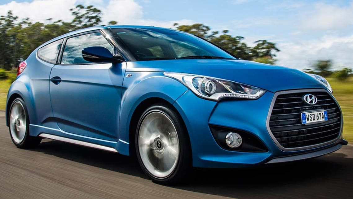 Hyundai Veloster SR + 2016 review | CarsGuide