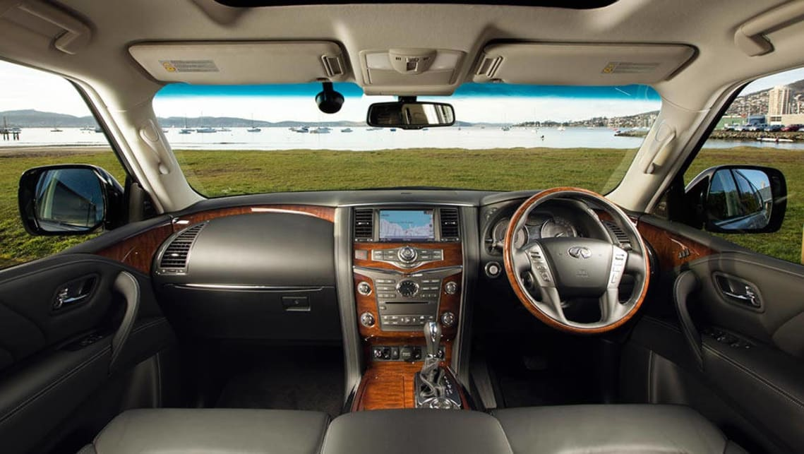 Infiniti QX80 2015 review | CarsGuide