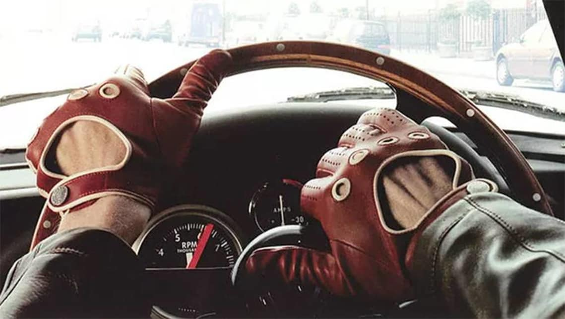 Is It Illegal To Drive With Gloves On - Alfa romeo driving gloves