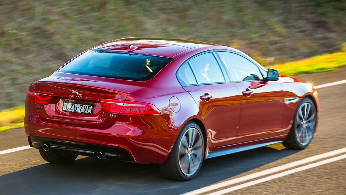 Jaguar xe 2016 review