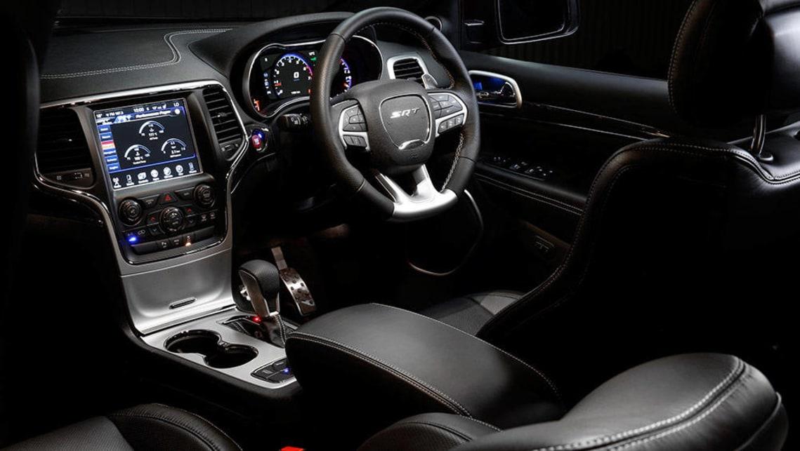 jeep srt 2016 interior