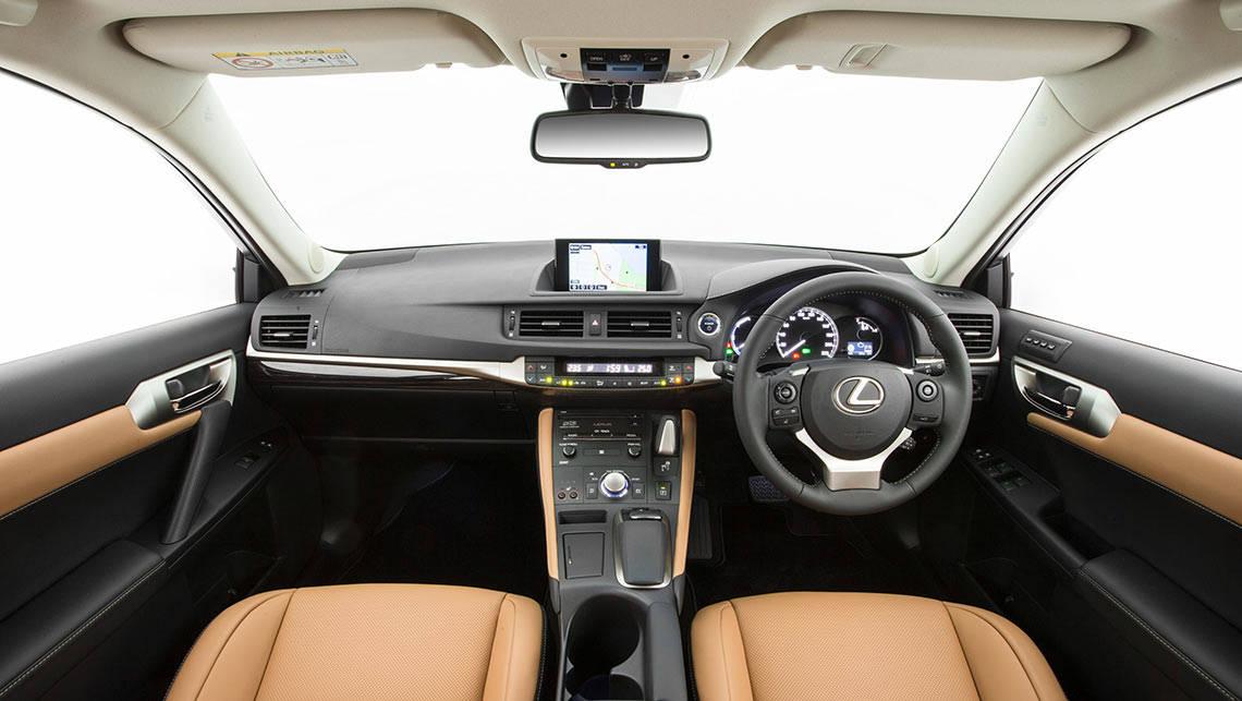 Lexus ct200h luxury