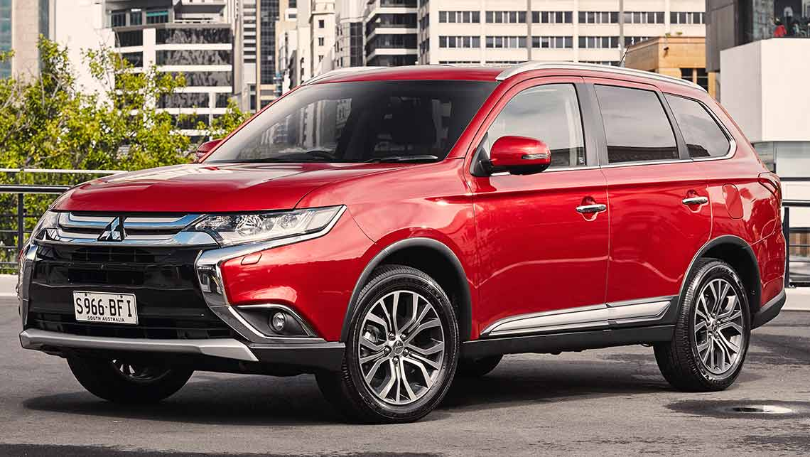 Mitsubishi Outlander Exceed and XLS 2015 review | CarsGuide