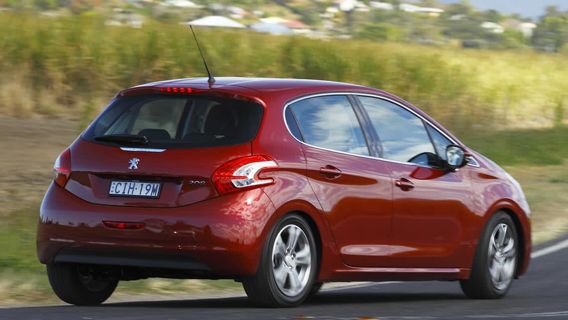 Peugeot 208 2013 Review