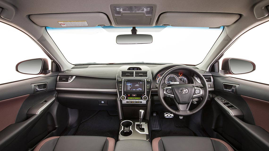 toyota camry of cars pic pictures picture cargurus worthy se gallery interior