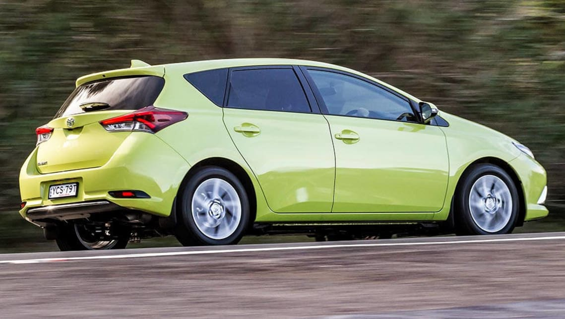 2014 toyota corolla hatch review