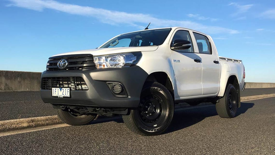 toyota hilux workmate 4x4 auto dual cab 2016 review carsguide. Black Bedroom Furniture Sets. Home Design Ideas
