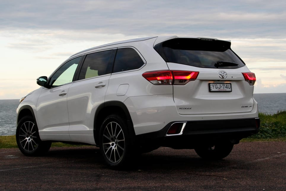Toyota Kluger Grande AWD 2017 review | CarsGuide