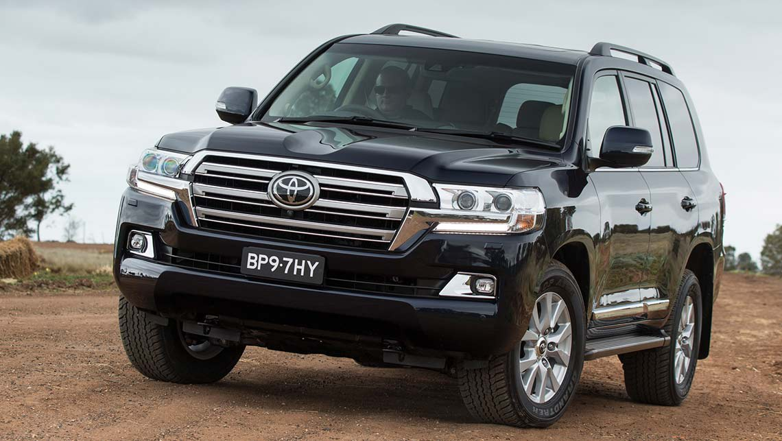 2015 toyota land cruiser 200 series revealed car news carsguide. Black Bedroom Furniture Sets. Home Design Ideas