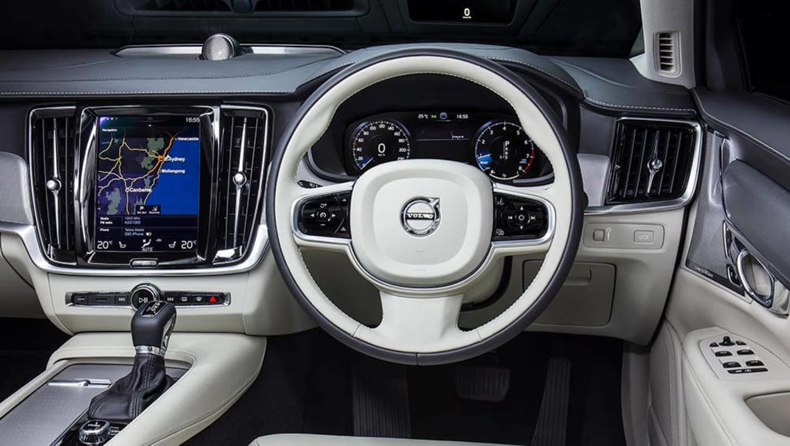 2016 Volvo S90 Inscription.