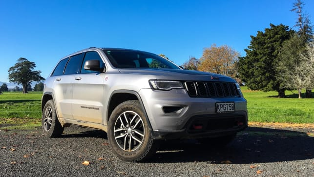 2017 jeep grand cherokee reviews carsguide. Black Bedroom Furniture Sets. Home Design Ideas