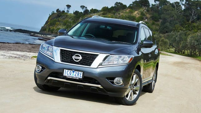 Nissan Pathfinder Hybrid 2014 Review