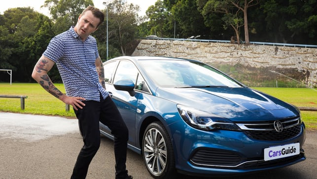 Holden Astra hatch 2017 review