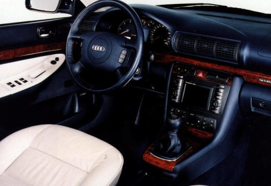 Used car review audi a4 1995 2002 carsguide for Lederen interieur audi a4