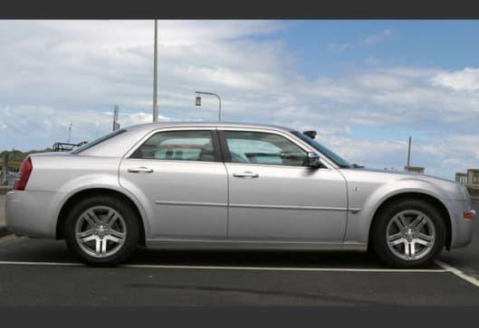 used car review chrysler 300c 2005 2006 carsguide. Black Bedroom Furniture Sets. Home Design Ideas