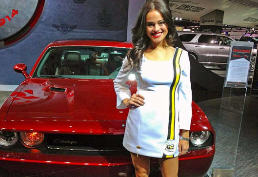 Girls and cars of the 2014 Detroit motor show | mega ...